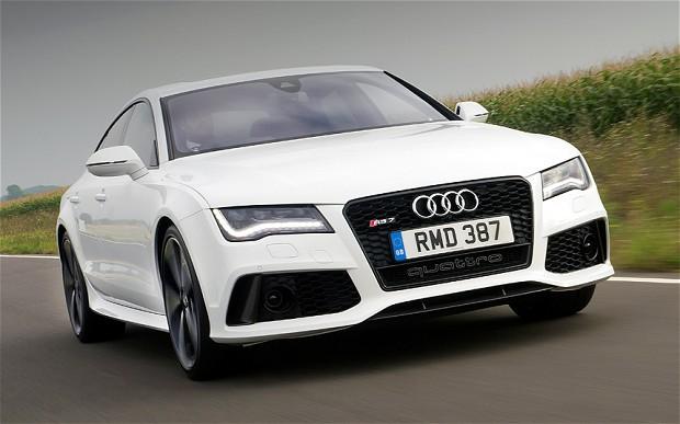Coraz więcej Polaków kupuje nowe samochody